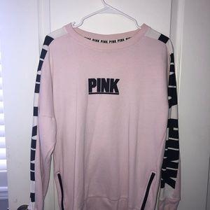 sweatshirt with zipper detail